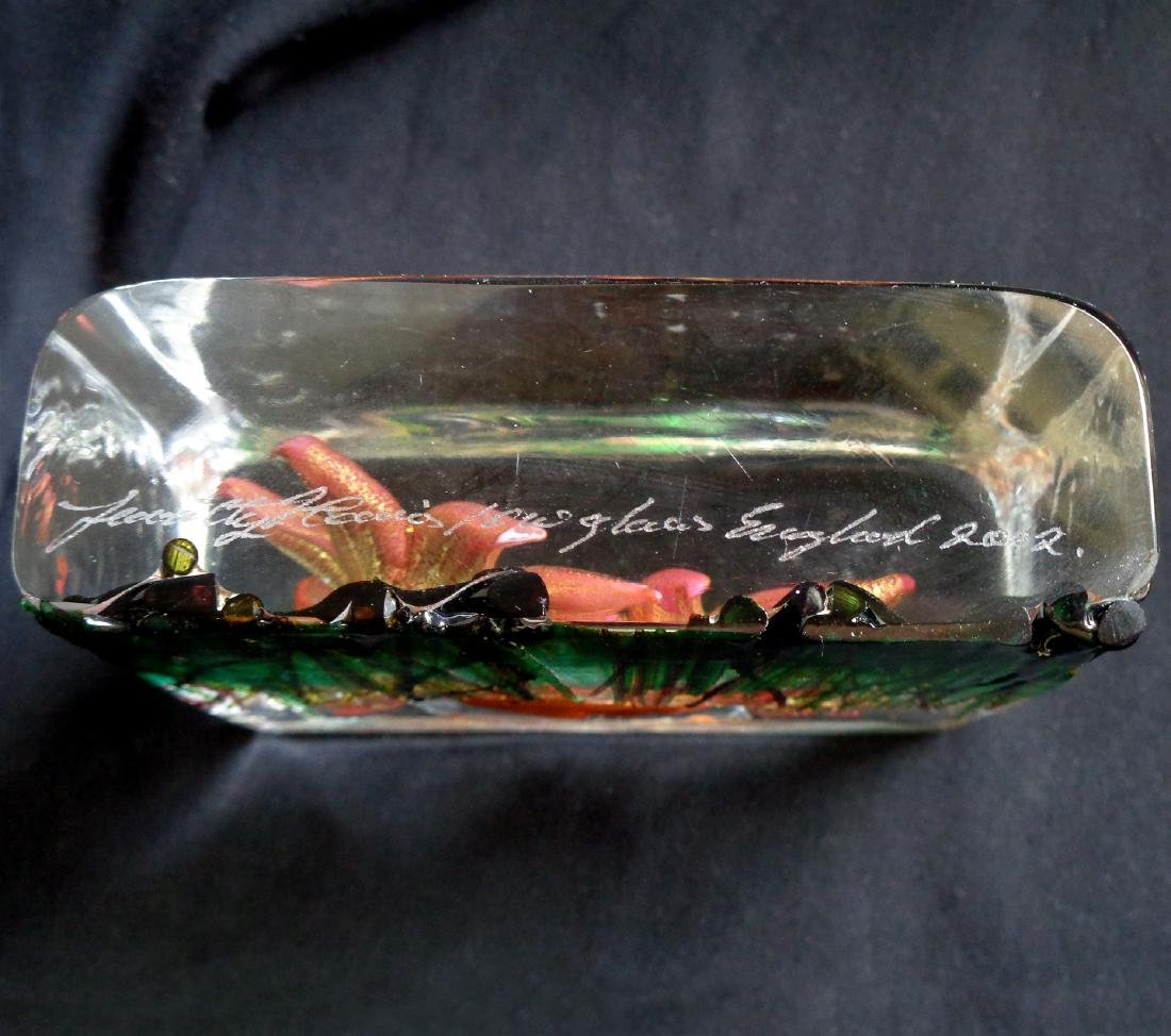 Isle Of Wight Art Glass Spring Flowers Paperweight - 5