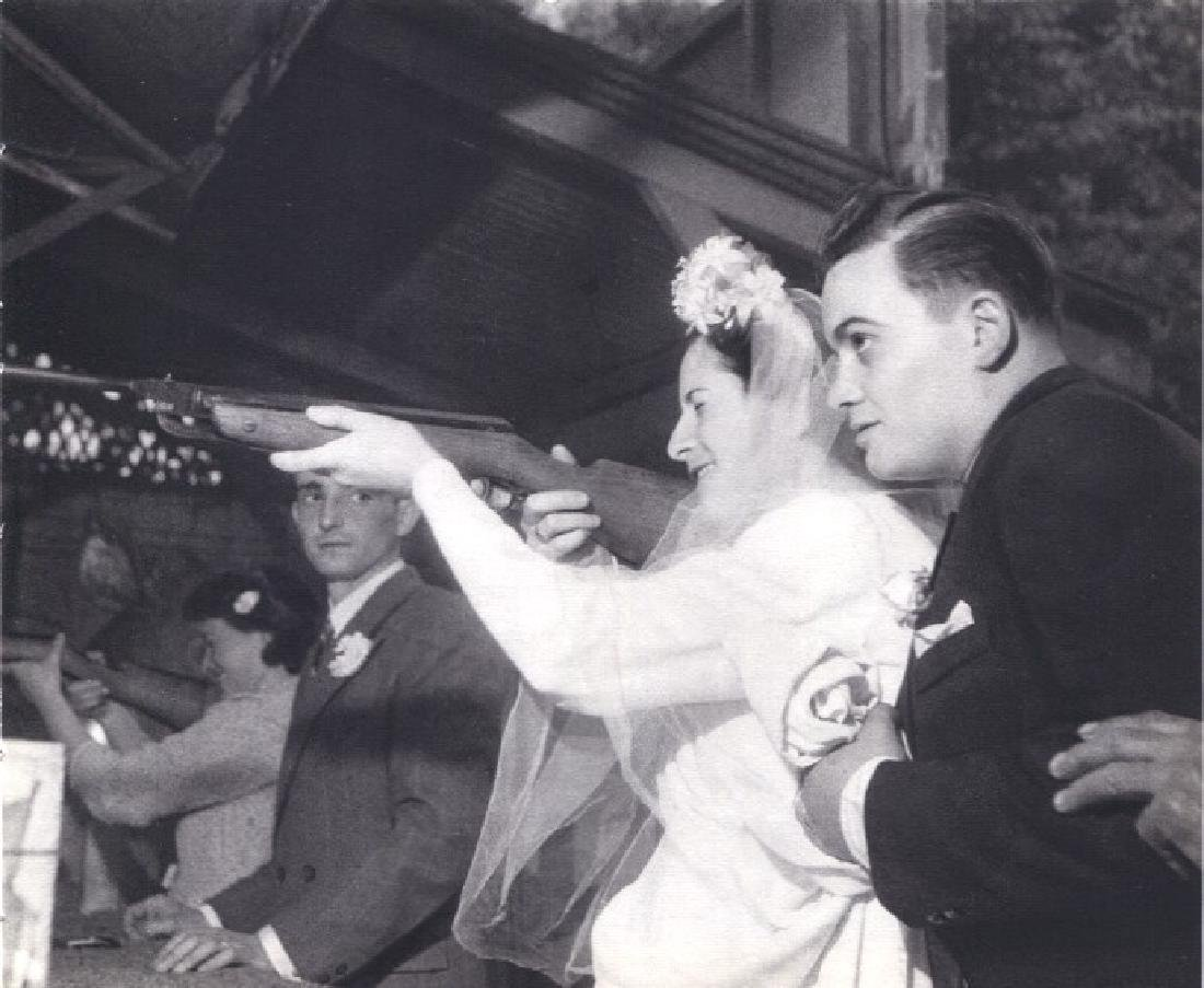 ROBERT DOISNEAU - Shotgun Wedding