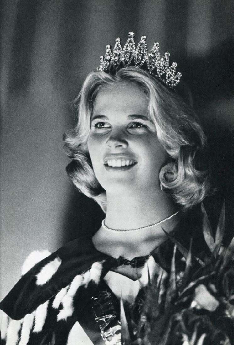 CHARLES HARBUTT - Beauty Queen