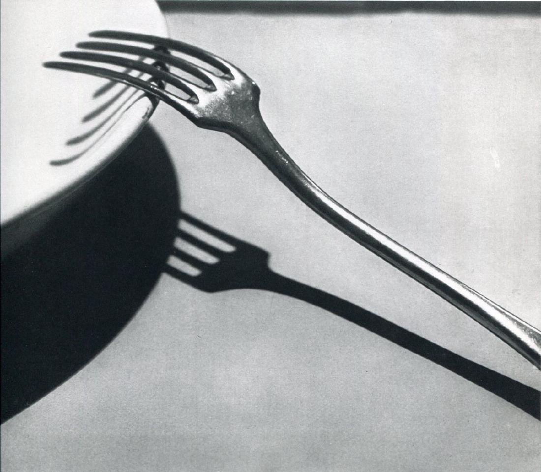 ANDRE KERTESZ - Fork, 1928 Paris
