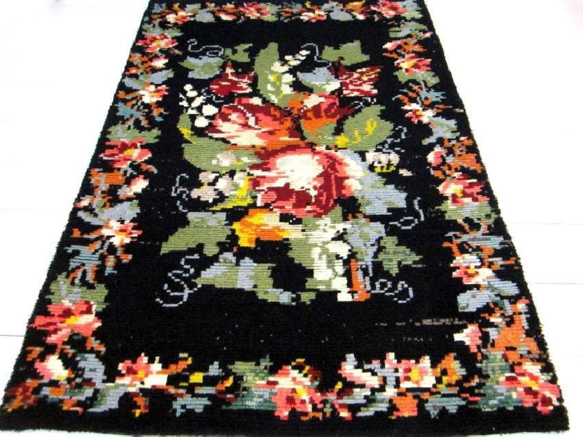 A traditional Scandinavian Rya Rug with Roses 5,7 x 3,8