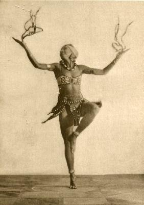 HUGO ERFURTH - Dancer Lisa Kresse (circa 1920)