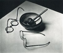 ANDRE KERTESZ - Mondrian's Glasses and Pipe, 1926 Paris