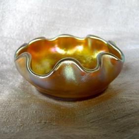 L.C.Tiffany Favrile Scallop Edge Art Glass Salt Cellar