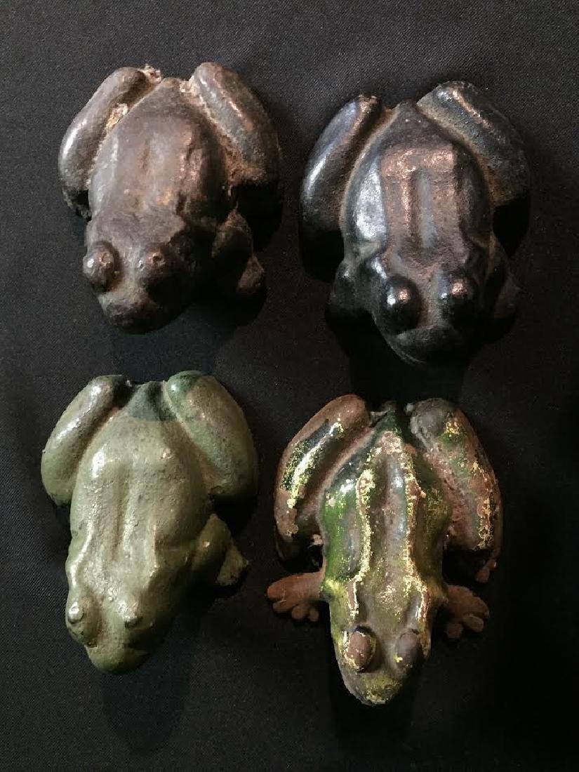 Cast Iron Frog Set 4