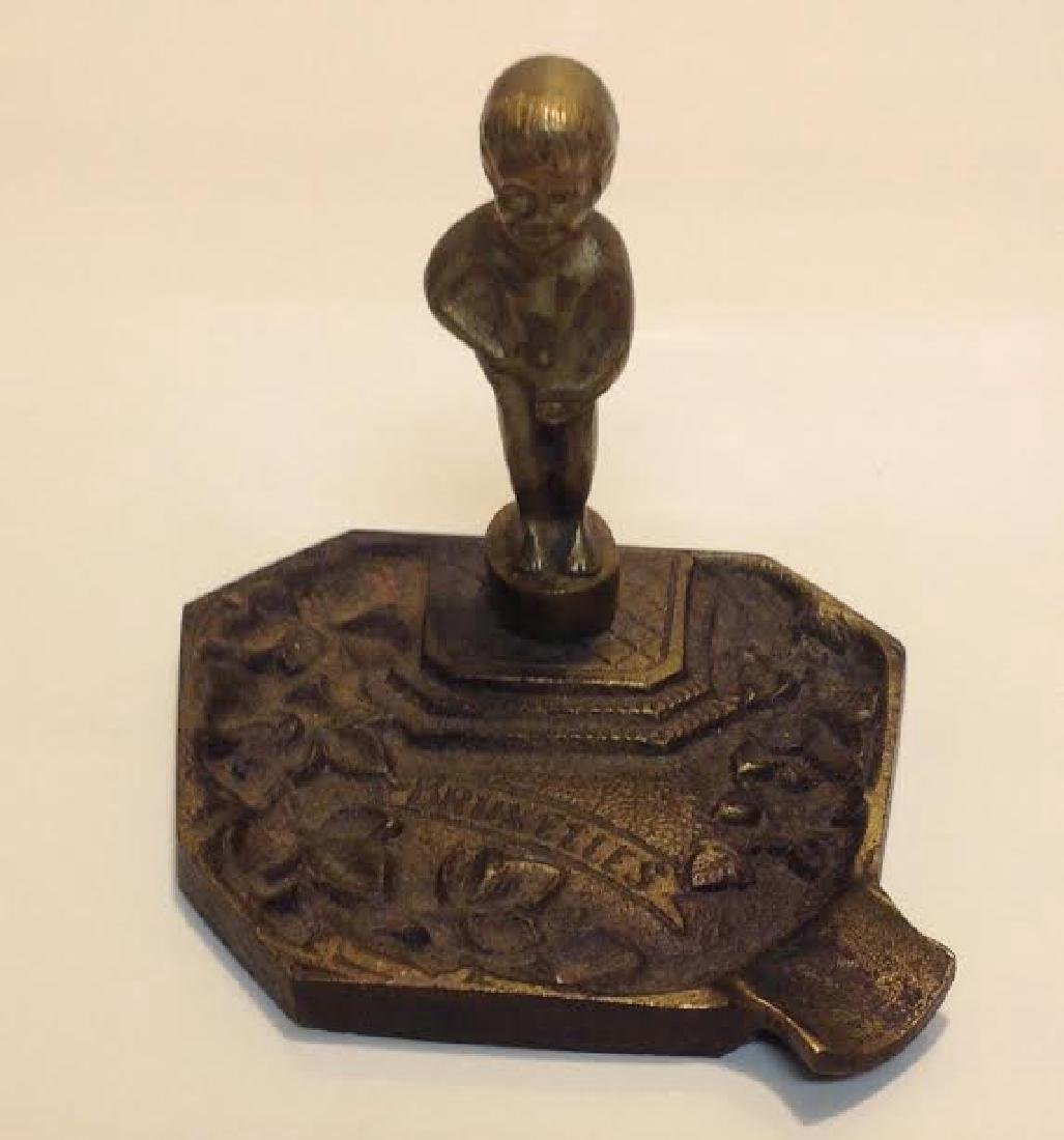 Antique Ashtray Bruxelles Peeing Boy Brass Figurine - 2