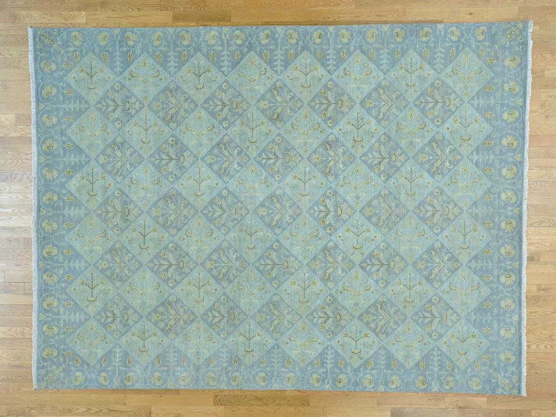 MODERN ORIENTAL HAND-KNOTTED RUG