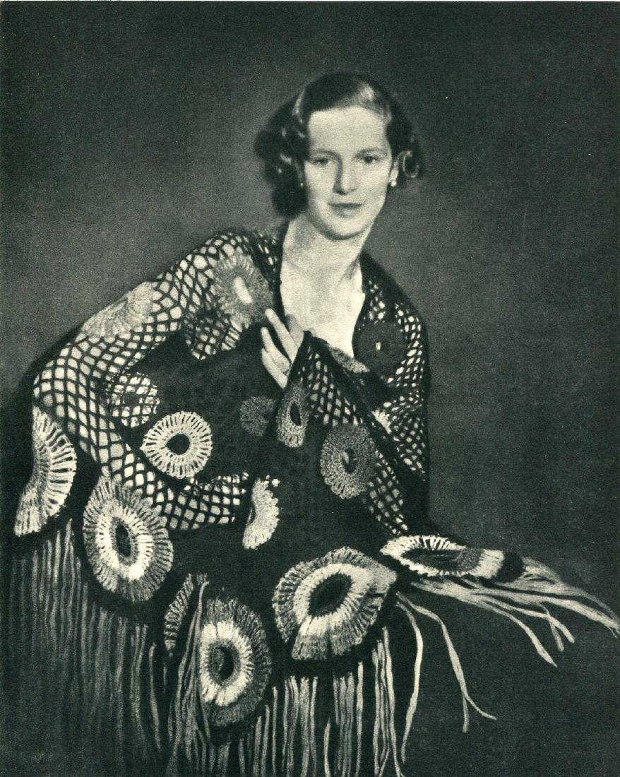 HELEN CAMPBELL, FRPS - Shawl with Circles