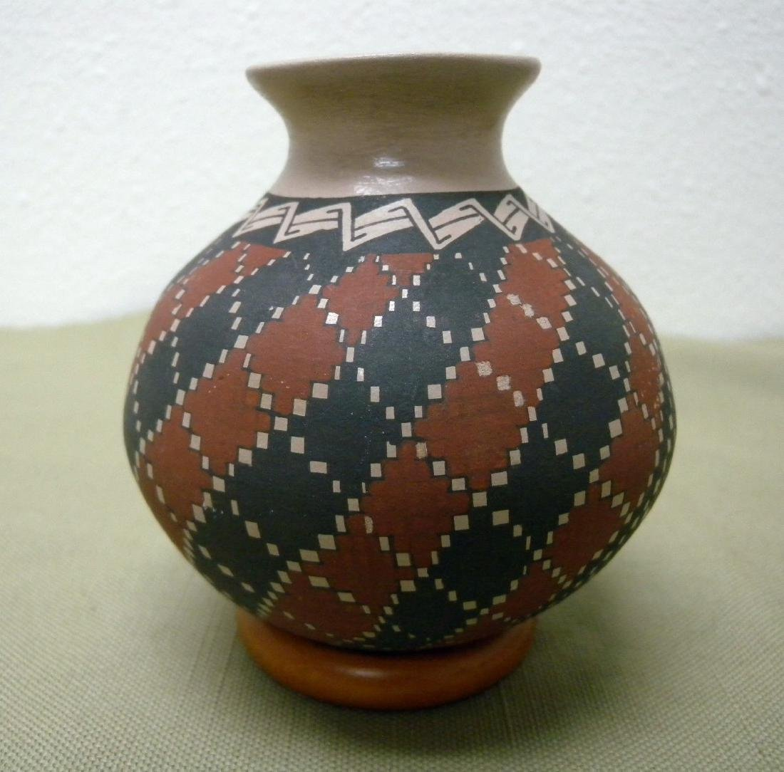 Art Pottery Mata Ortiz Handcrafted Jar Vase Juan Mora