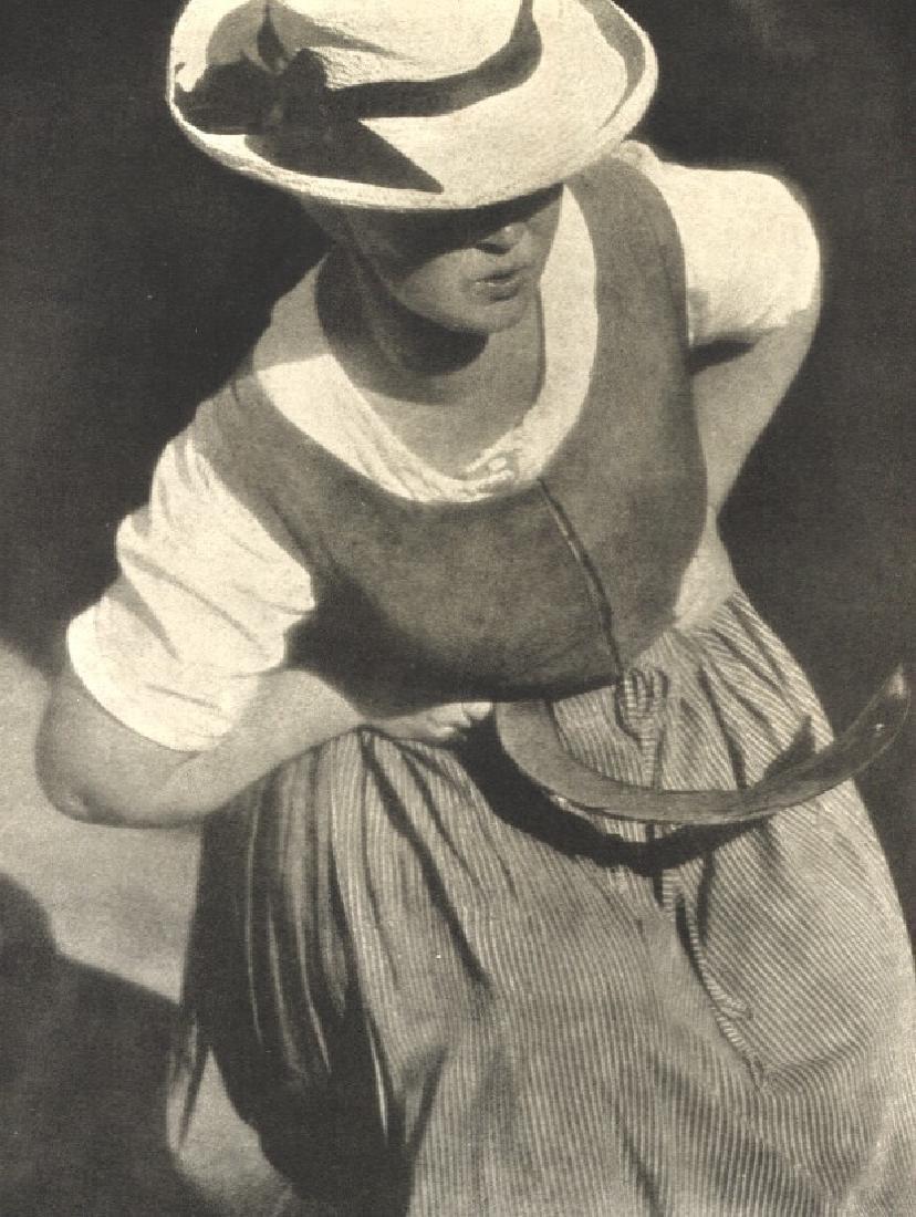 HEINRICH KUHN - Woman in the Garden