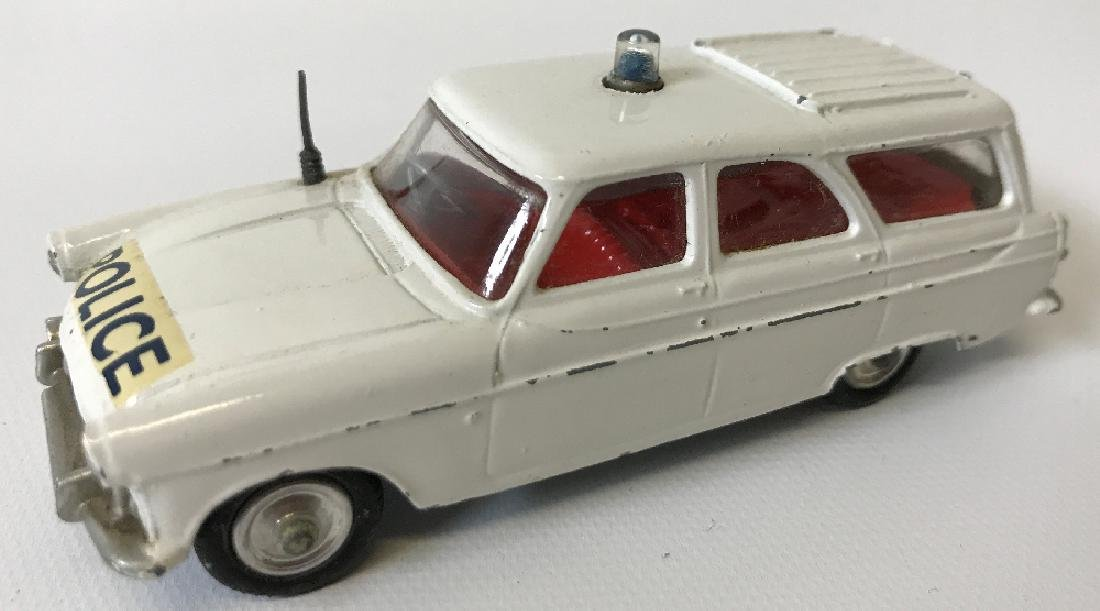Vintage CORGI FORD ZEPHYR MOTORWAY POLICE PATROL CAR