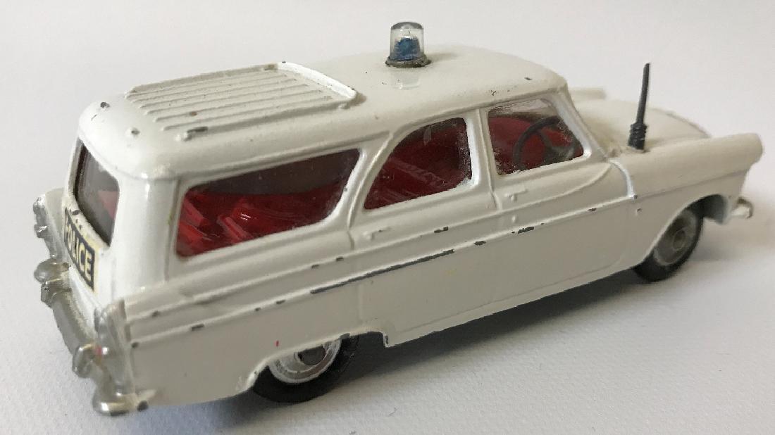 Vintage CORGI FORD ZEPHYR MOTORWAY POLICE PATROL CAR - 2