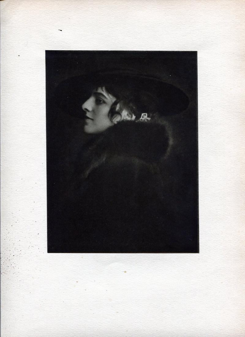 E O HOPPE - Mlle. Raymonde Thuillier