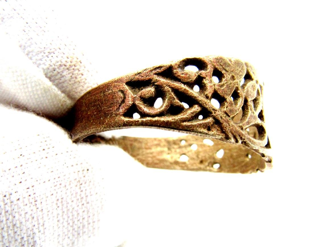 Tudor Period Wedding  Ring with Floral Decoration - 2