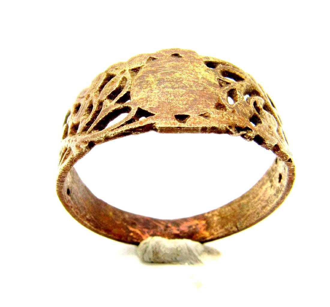 Tudor Period Wedding  Ring with Floral Decoration - 3