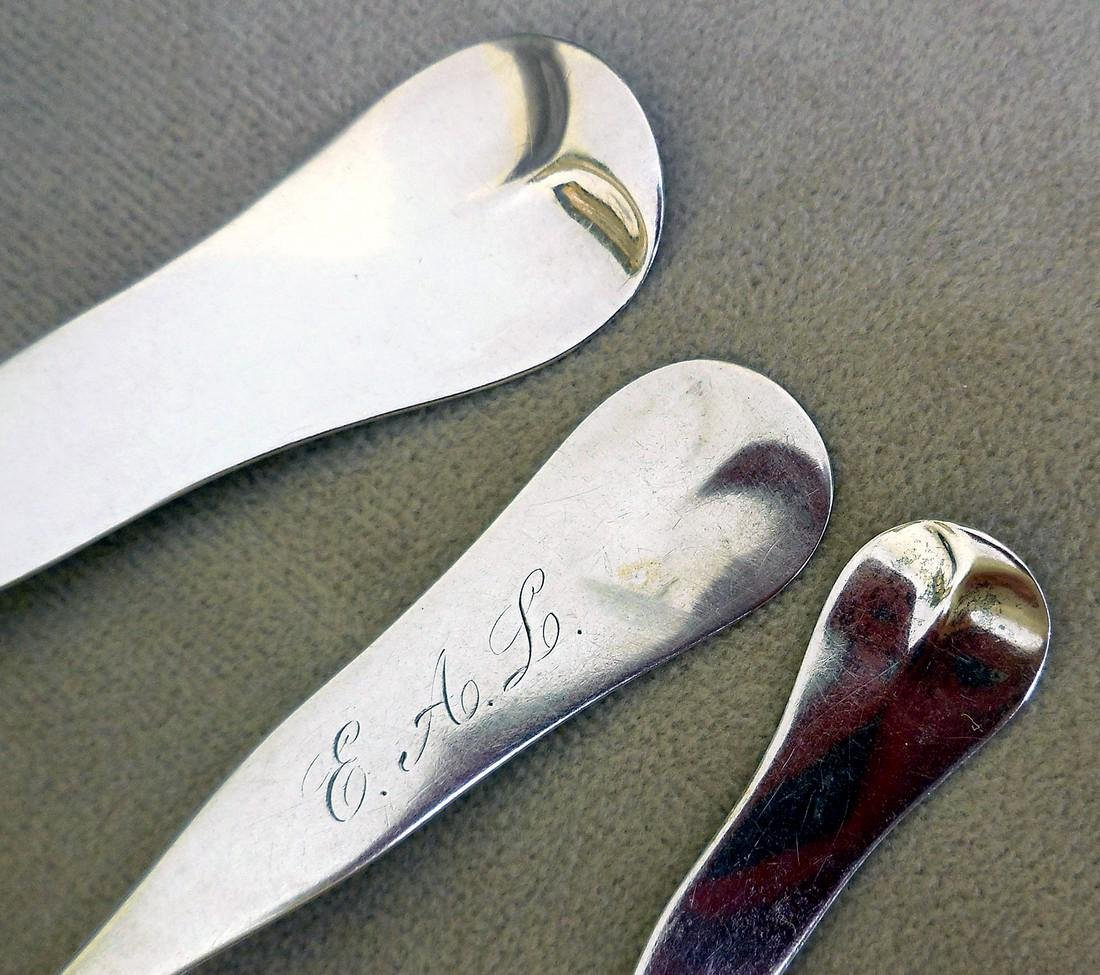 Three Antique Fiddle Pattern Coin Silver Spoons, 19th C - 3