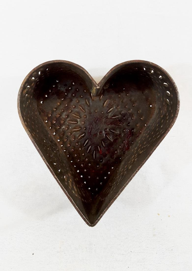 Large Pa Punched Tin Heart Cheese Mold Circa 1860 - 4