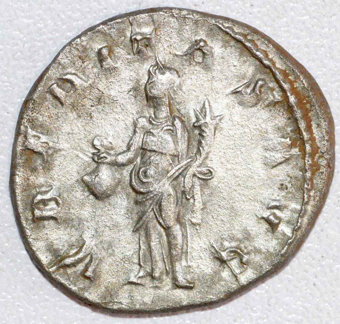 Ancient Roman Silver Antoninianus of Emperor Trajan - 2