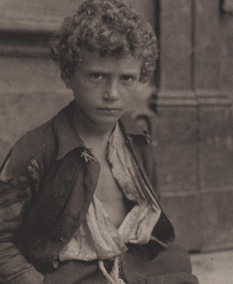 ALFRED STIEGLITZ - A Venetian Gamin, 1894