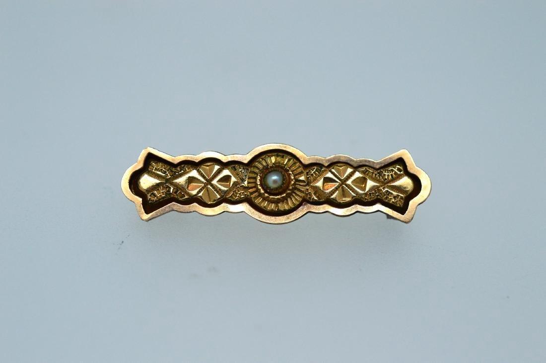 Edwardian English 10K Gold Seed Pearl Enamel Pin