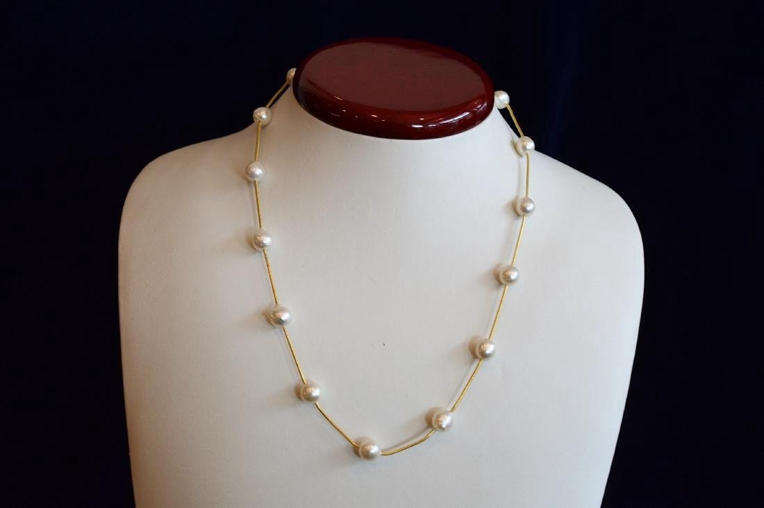 Ladies 14K Gold White Baroque Pearls Necklace