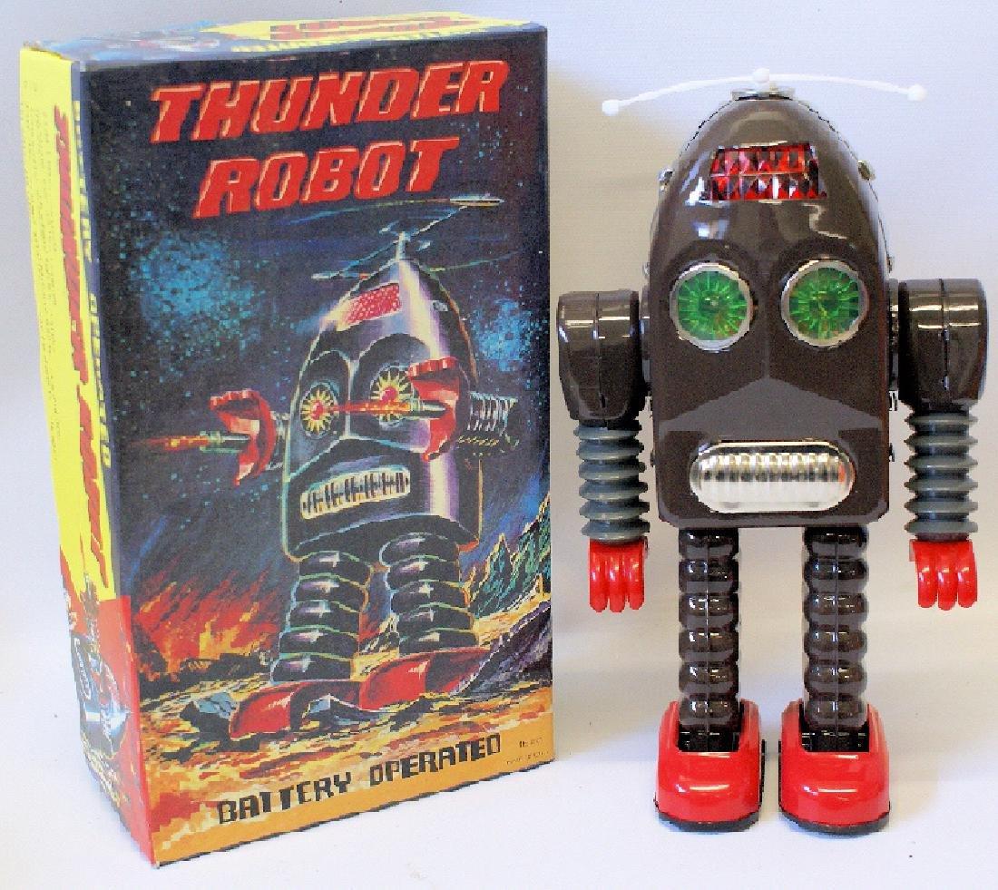 Vintage 1990's Tin THUNDER ROBOT ME 200 Space