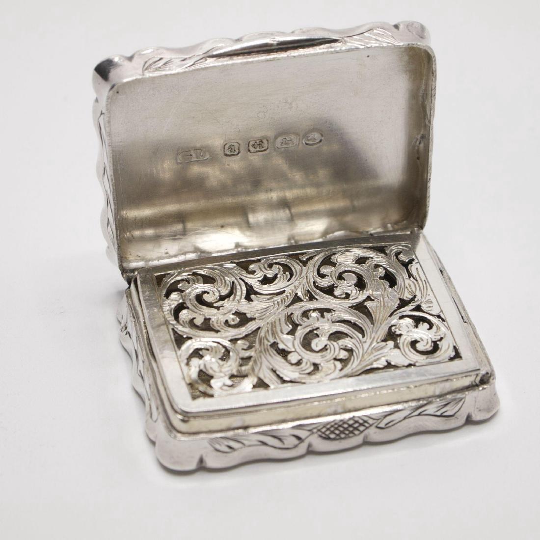 Antique Victorian Sterling Silver Vinaigrette, 1875 - 2
