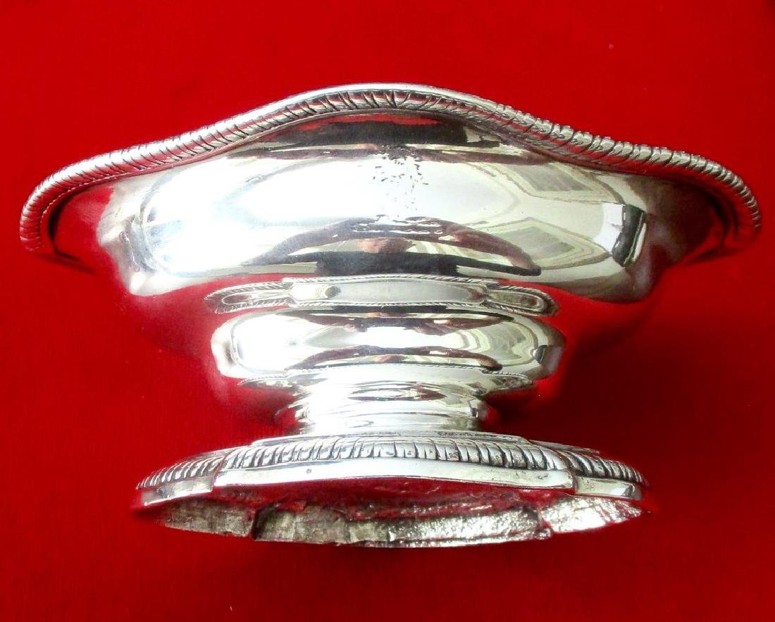 Antique Georgian English Sterling Silver Sauce Boat - 2