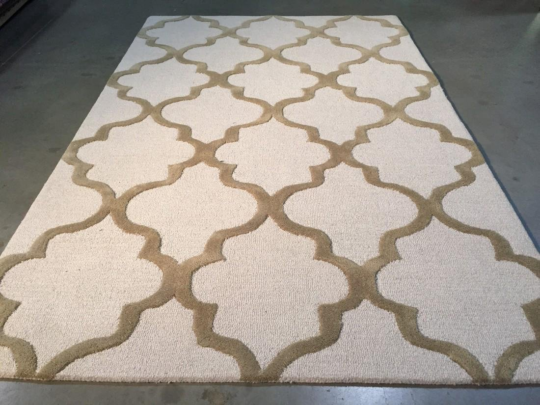 Modern Hand Tufted Carved Wool Rug 5x8