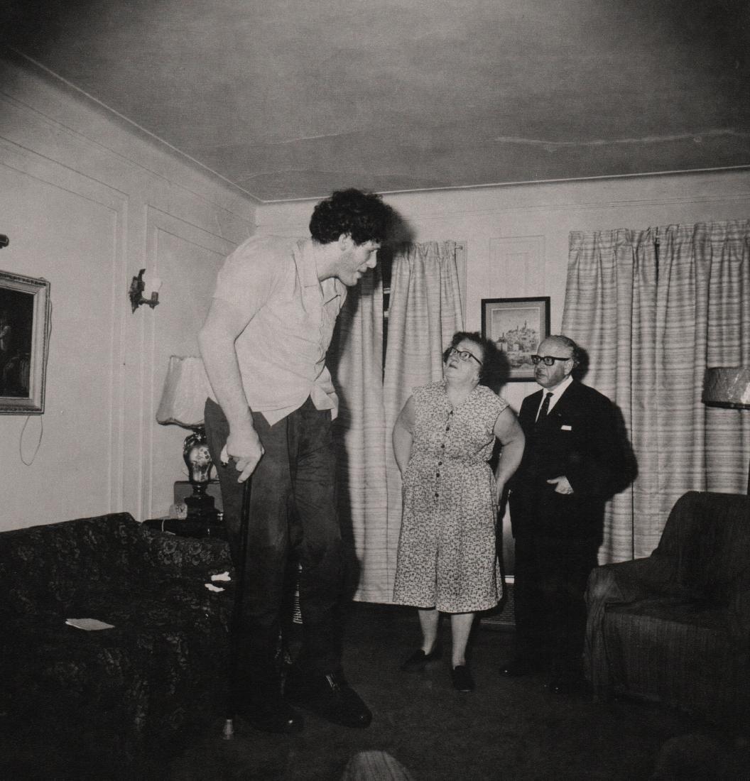 DIANE ARBUS - Jewish Giant 1970
