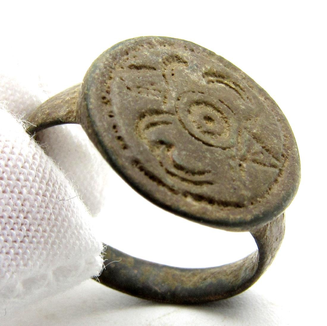 MEDIEVAL HERALDIC SEAL RING WITH FAMILY CREST