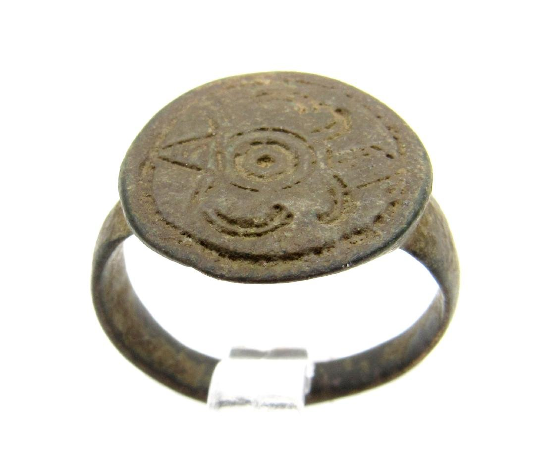MEDIEVAL HERALDIC SEAL RING WITH FAMILY CREST - 2