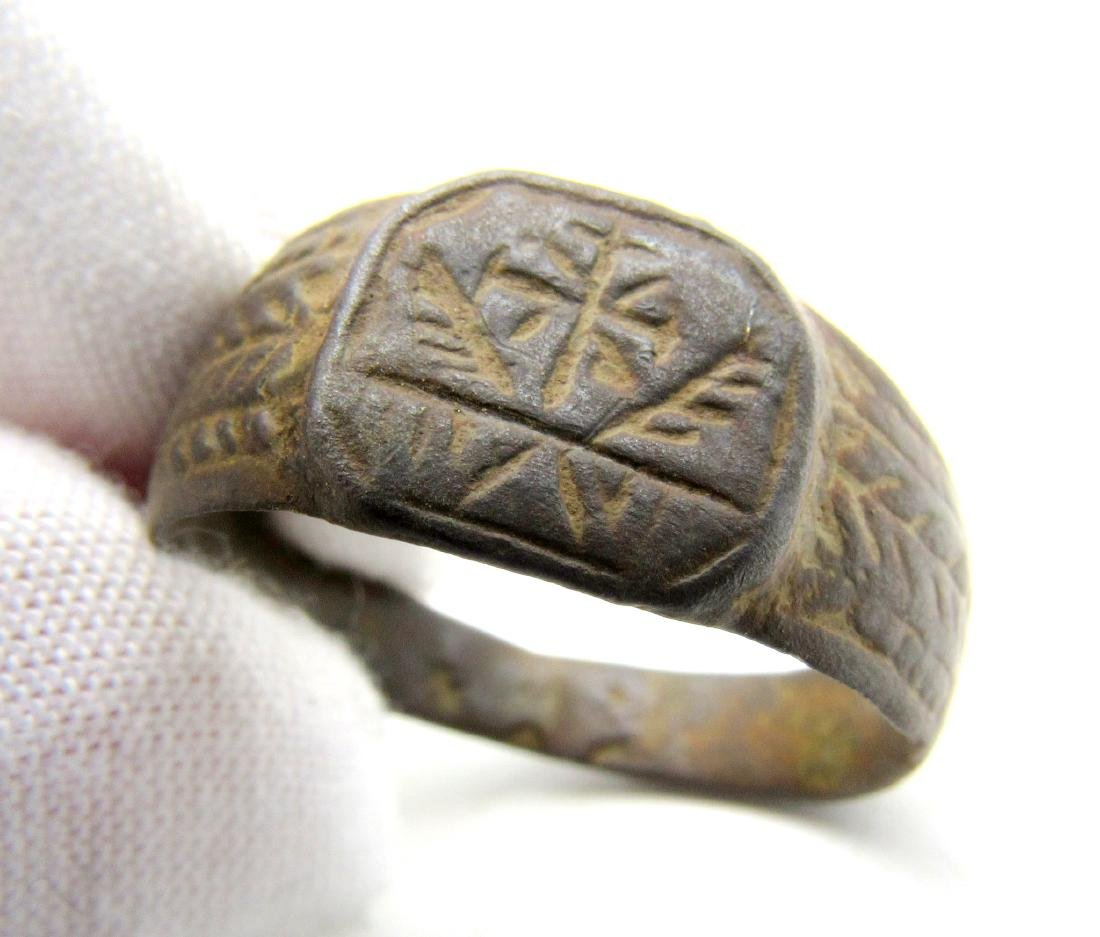 CRUSADERS RING WITH CROSS & FEATHERS