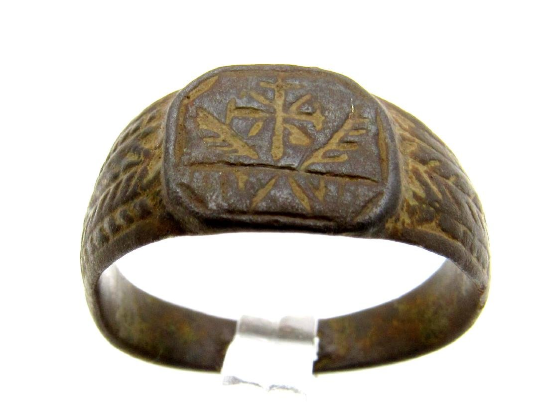 CRUSADERS RING WITH CROSS & FEATHERS - 2