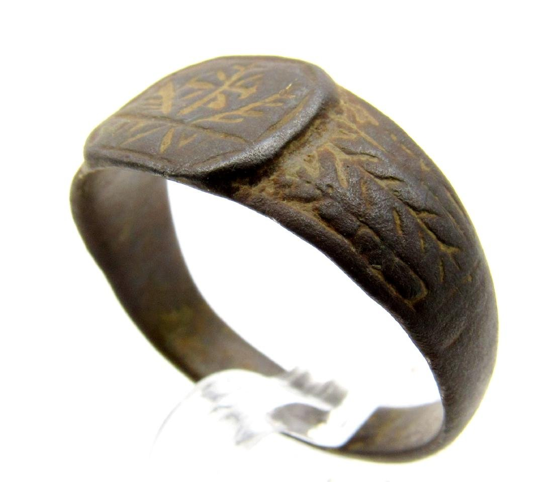 CRUSADERS RING WITH CROSS & FEATHERS - 3