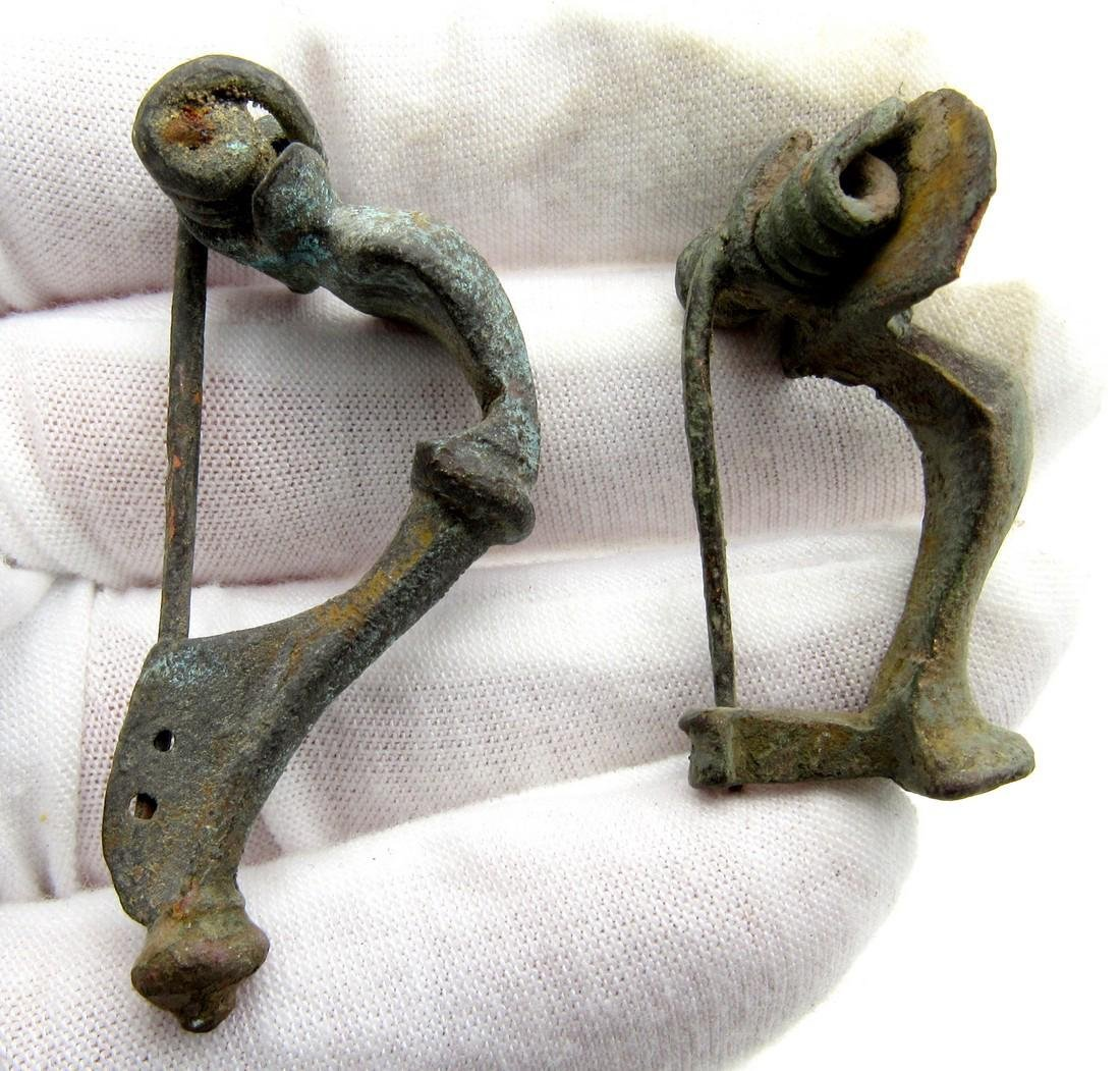Pair of Roman Brooches / Fibulae (Bow & Knee)