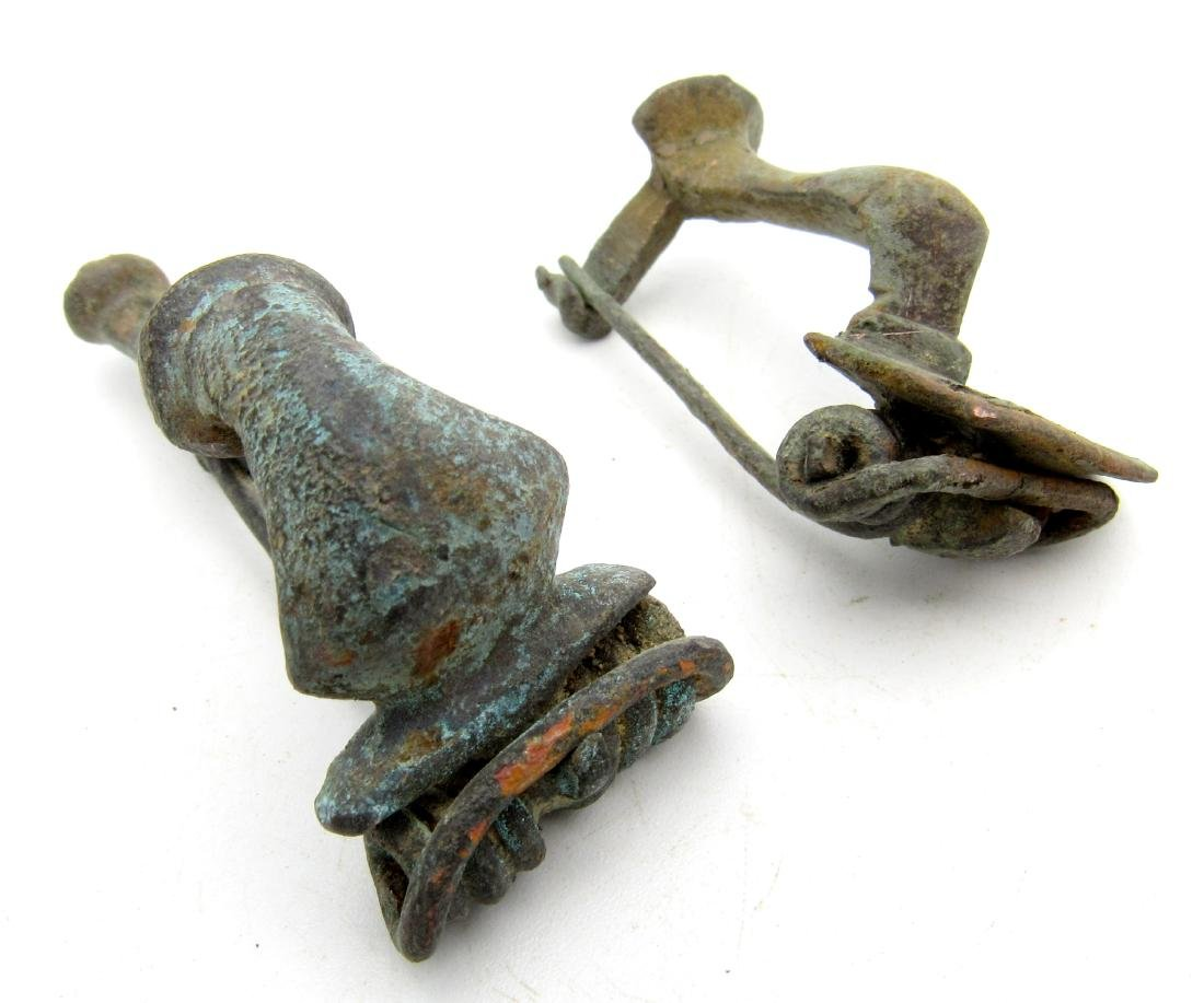 Pair of Roman Brooches / Fibulae (Bow & Knee) - 4