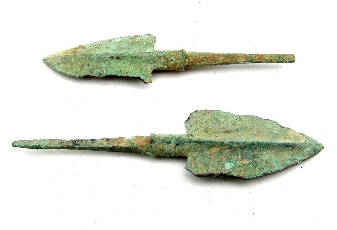 Pair of Bronze Age Military Arrowheads - 2