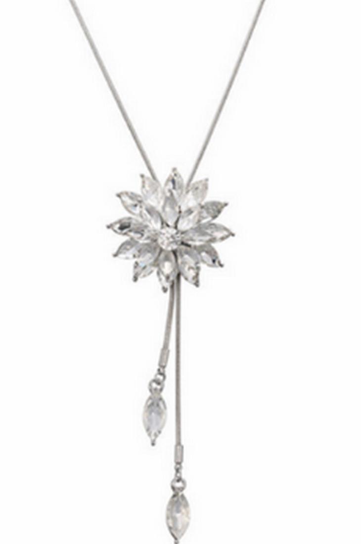 18K White Gold Plated Swarovski Crystal Flower Necklace