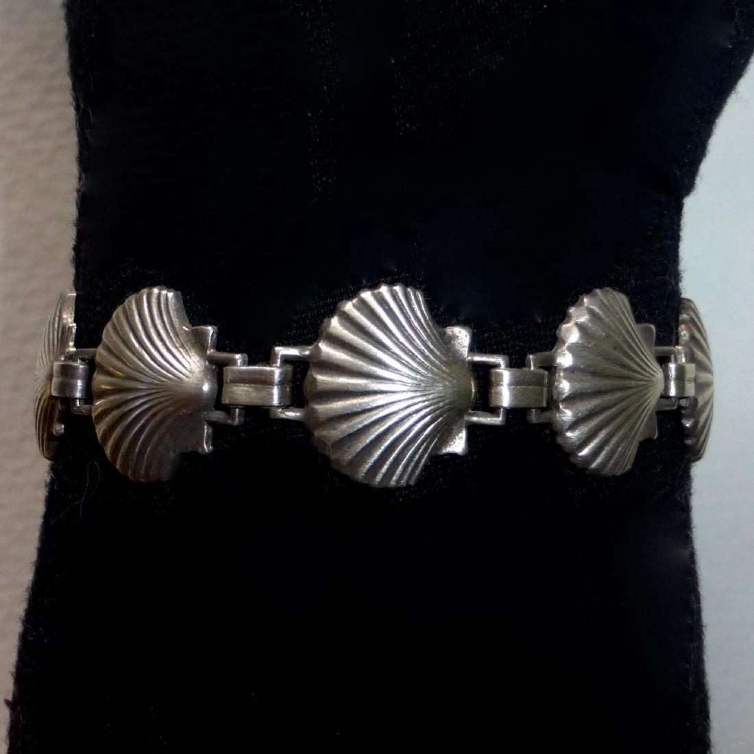 Vintage Sterling Silver Figural Shells Bracelet - 2