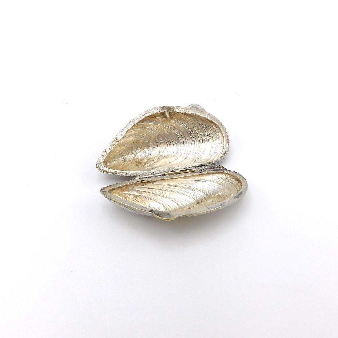 Vintage European Silver Plate Mussel Shell Pill Box - 5