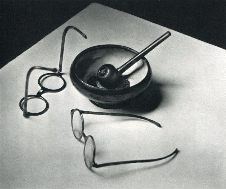 ANDRE KERTESZ - Mondrian's Glasses and Pipe, Paris 1926