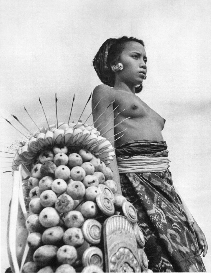 GOTTHARD SCHUH - Young Woman, Bali