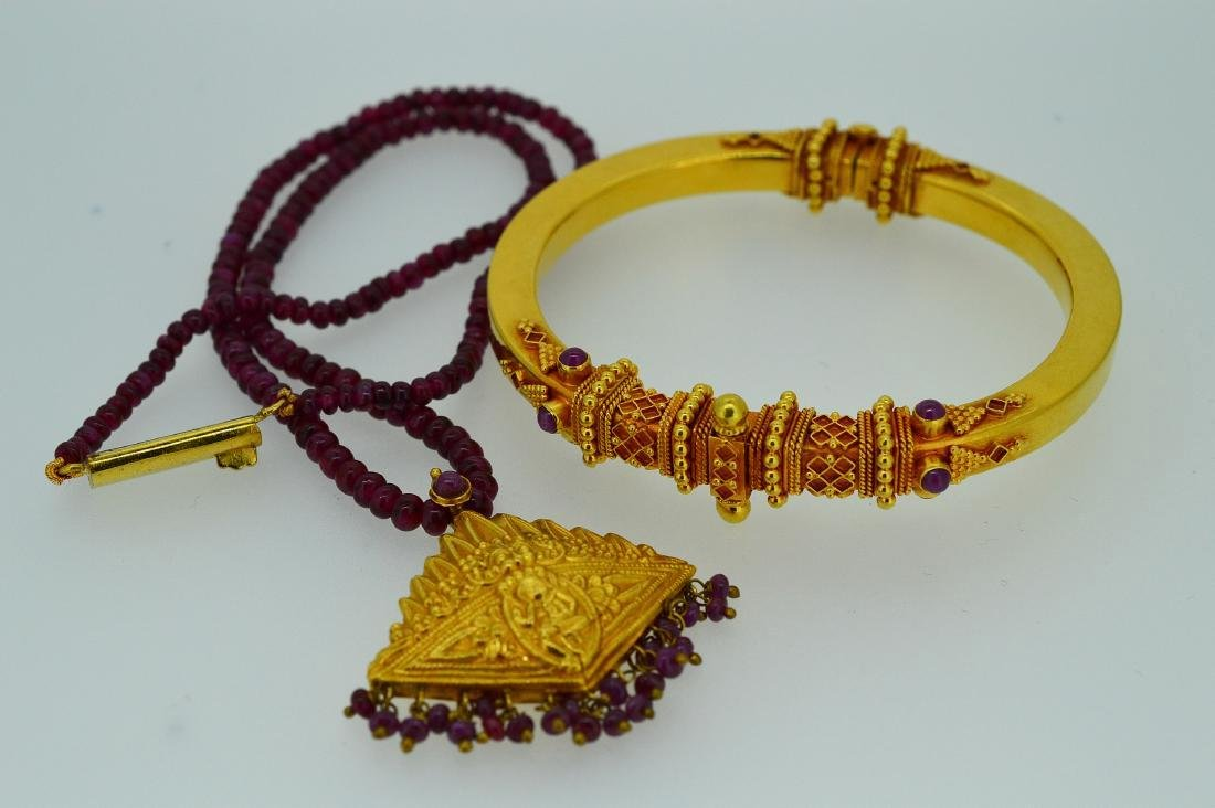 Vintage Ladies 22k Yellow Gold Ruby Necklace & Bracelet