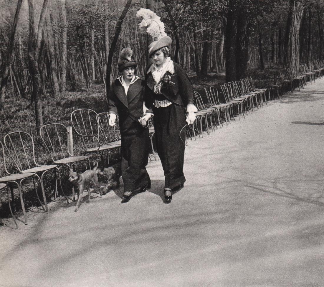 J.H. LARTIGUE - Ave of the Acacias, 1913