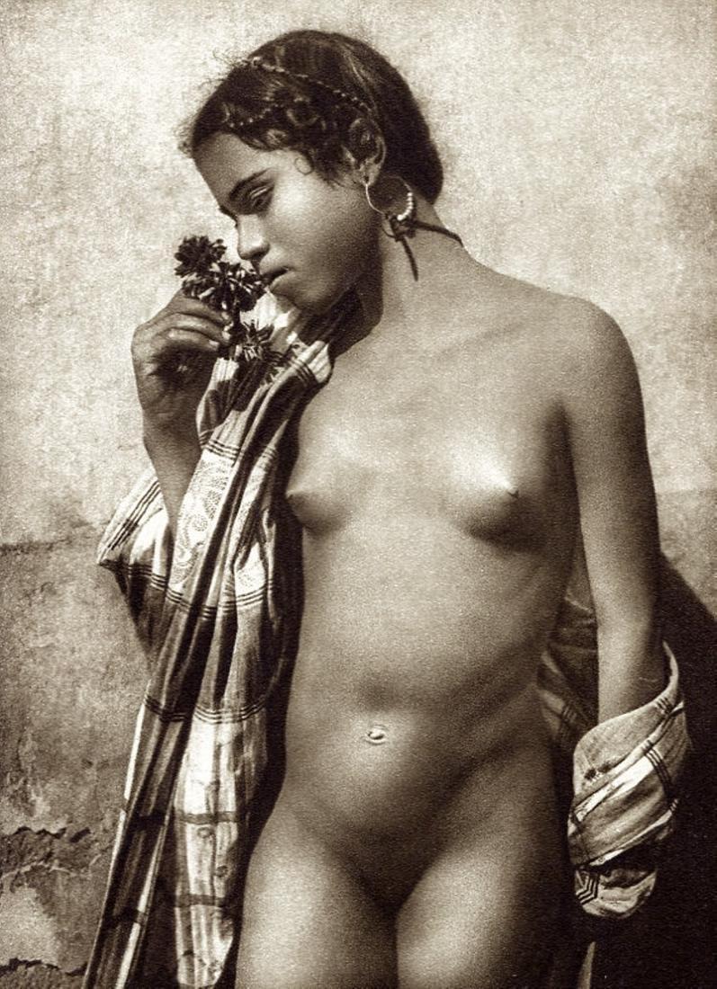 LEHNERT & LANDROCK - Arab Woman Algiers
