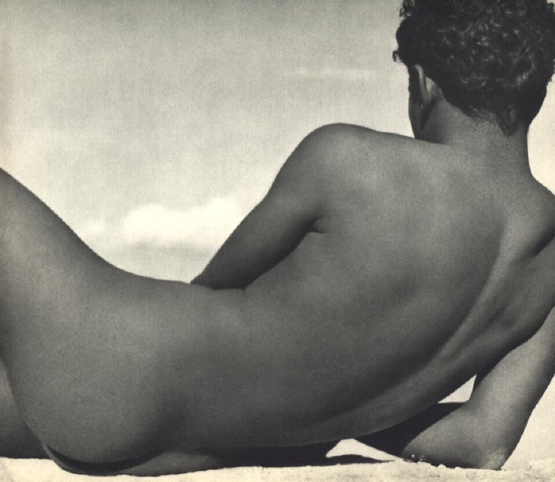 HERBERT LIST - Male nude on beach