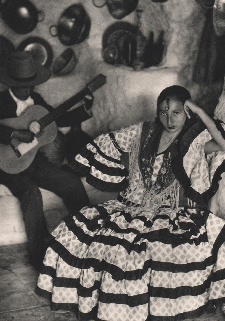 JOSE ORTIZ ECHAGUE - Gypsies in the Albaicin