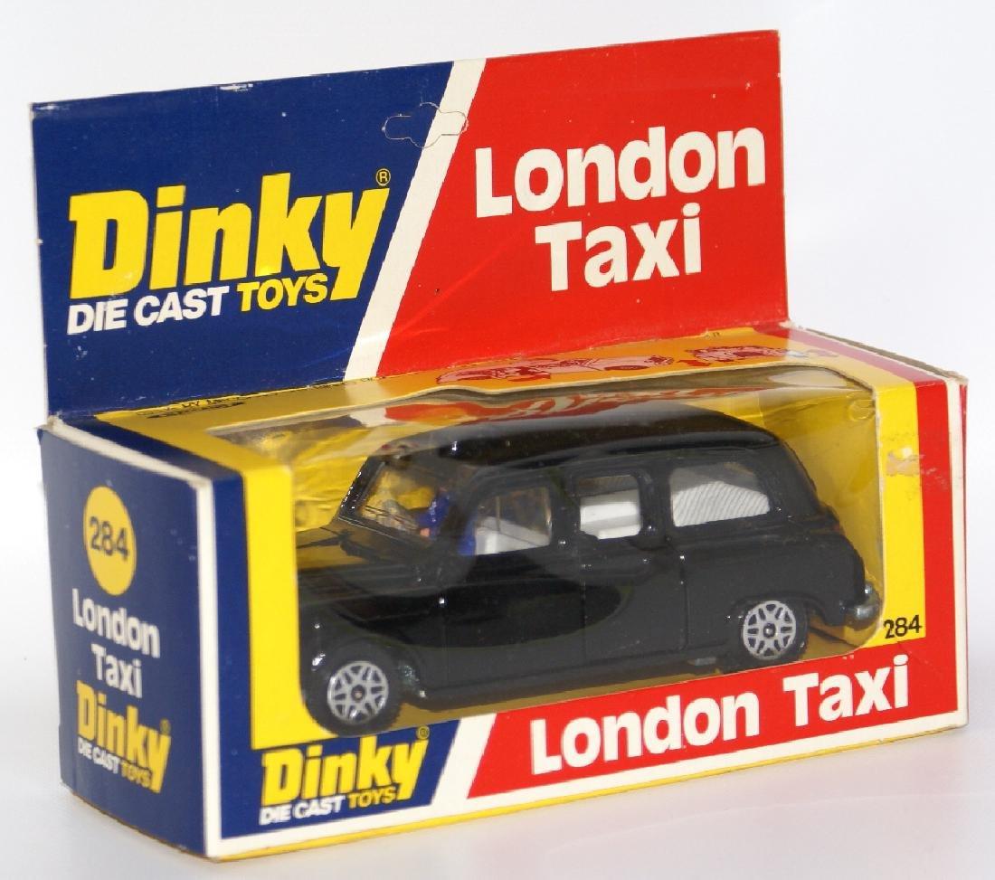 1977 DINKY #284 Diecast LONDON TAXI Austin Car & Driver