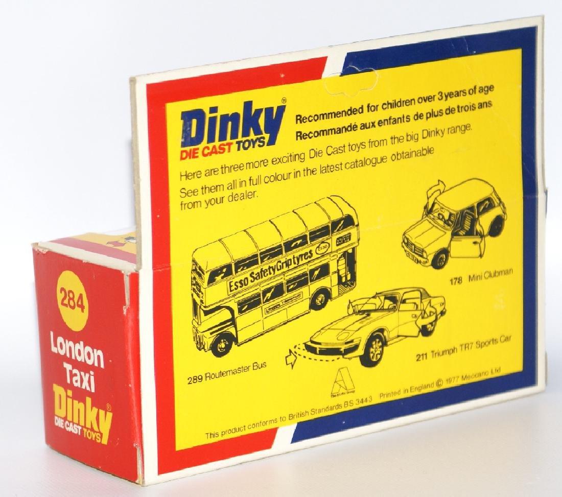 1977 DINKY #284 Diecast LONDON TAXI Austin Car & Driver - 3